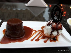 Toffee pudding with icecream